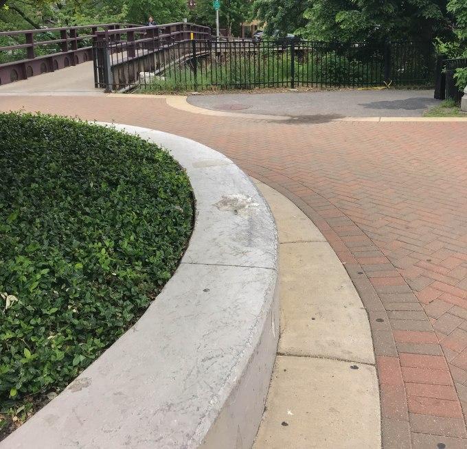 Photo of the circle ledge at Kiwais Park