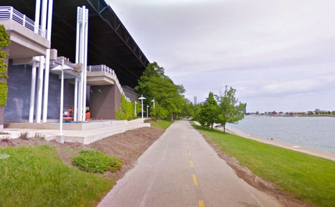 photo of the grass gap at the laketrail