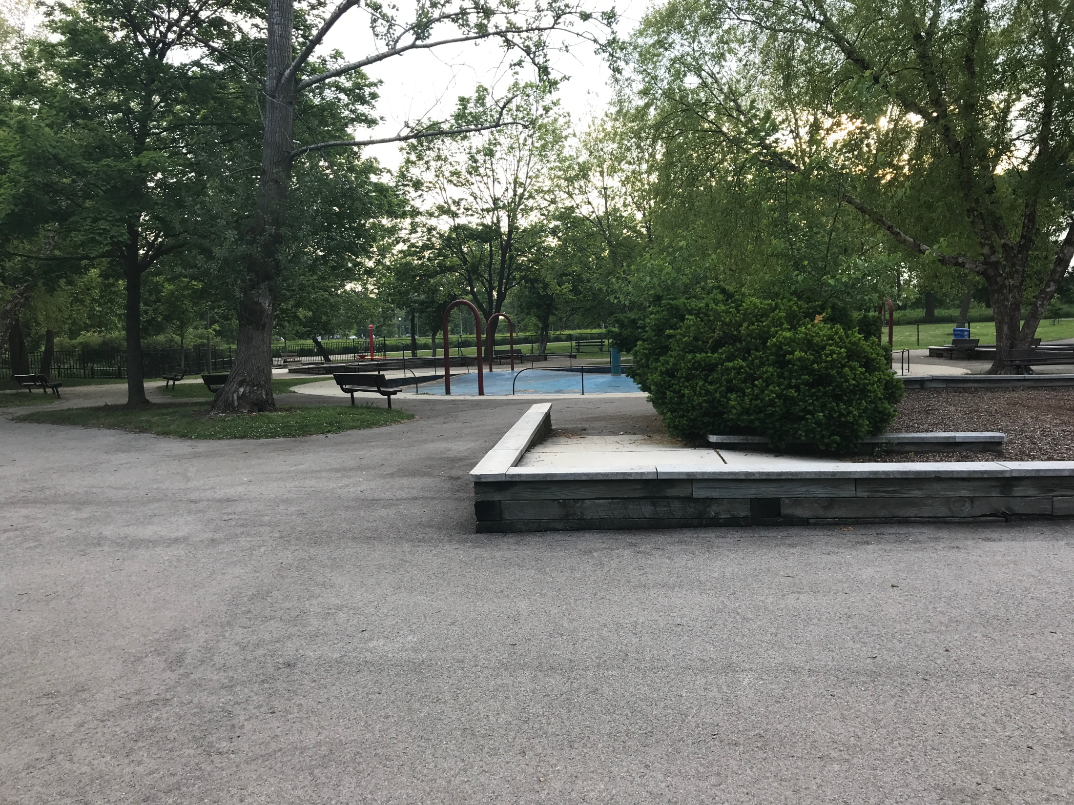 Ledges on the edges of the play area at Humboldt Park playground